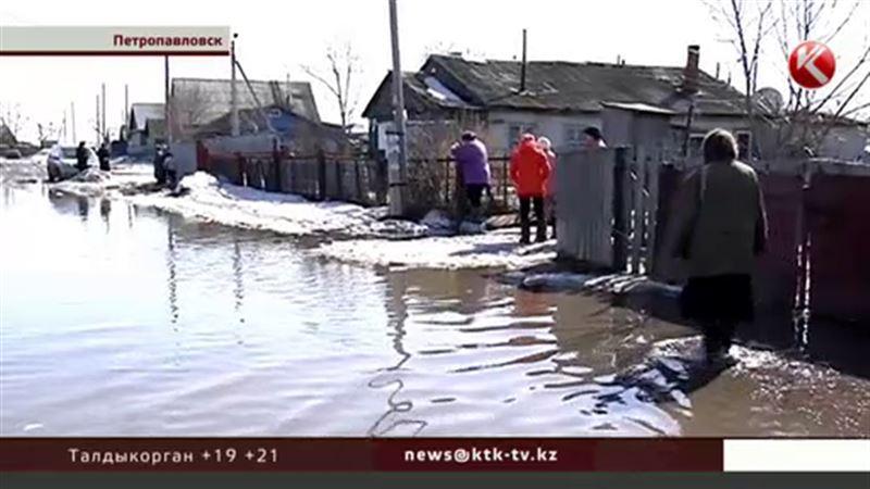В Петропавловске из-за резкого таяния снега подтапливает улицы