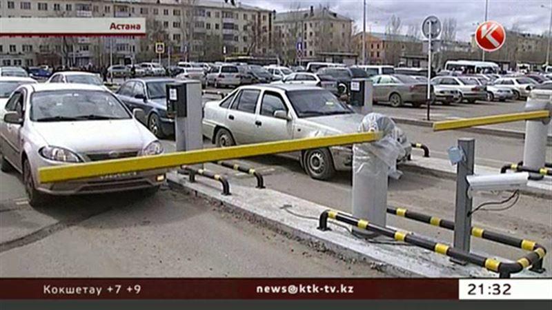 Убытки от платных парковок подсчитывают таксисты Астаны