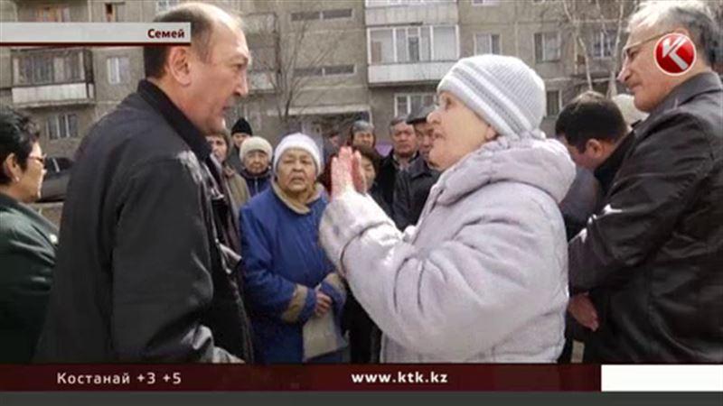 В Семее жители взбунтовались против стройки у их домов