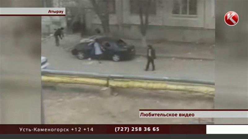 Обиженная женщина разгромила машину приятеля