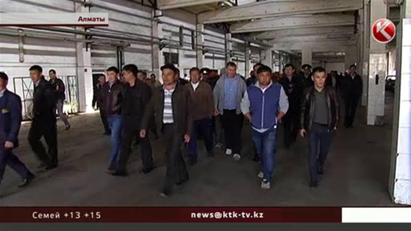 В Алматы бастовали водители автобусов