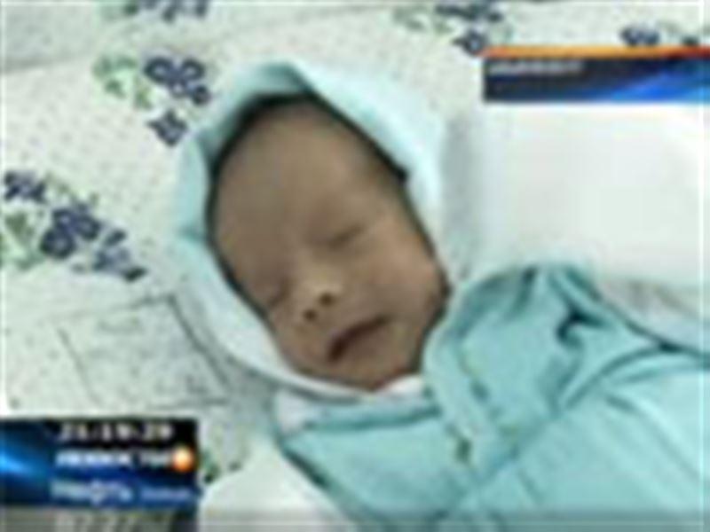 Сразу две тройни за одну неделю родились в южноказахстанском перинатальном центре