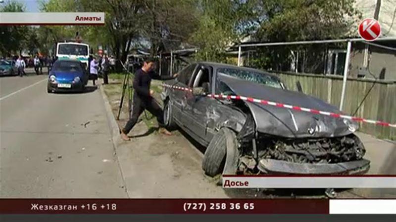 Алматинский полицейский, машина которого разорвала людей на части, арестован