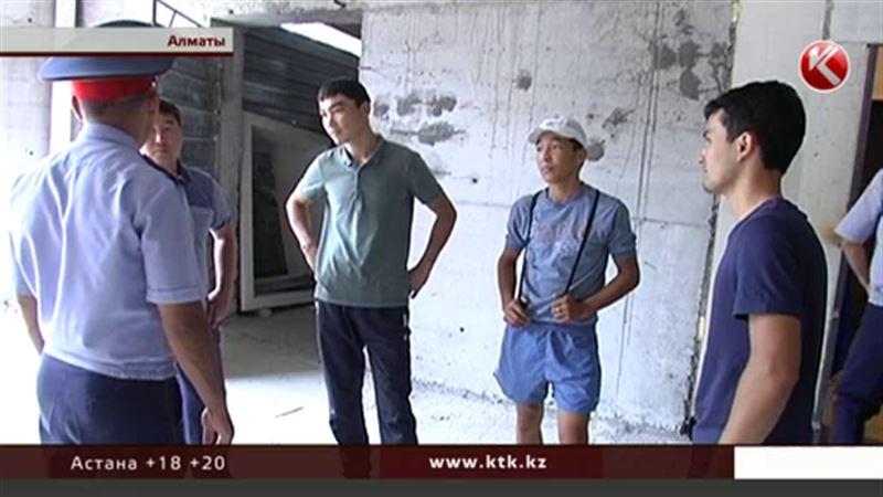 Гражданин Узбекистана набрал в Алматы кредитов по чужим документам