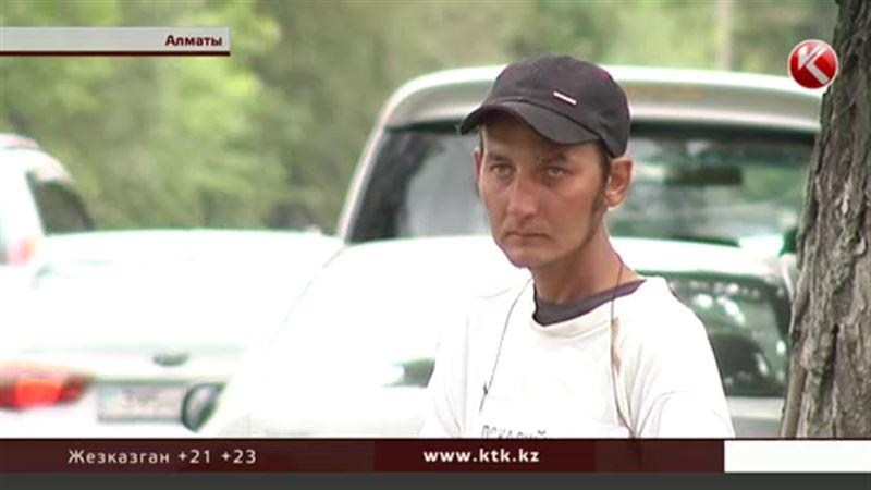 Алматинский инвалид заявил, что его держат в рабстве и заставляют просить милостыню