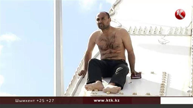 Иностранец пытался совершить суицид на одном из столичных мостов