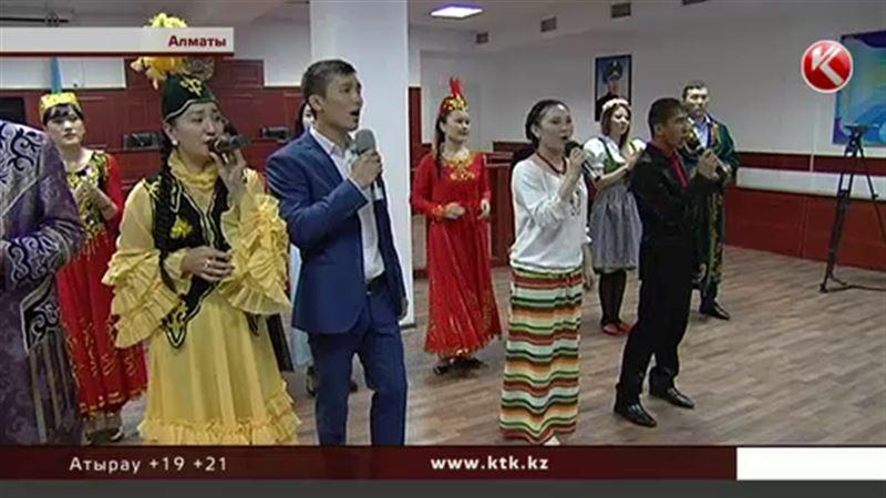 В алматинском СИЗО развлекались – устроили костюмированное шоу