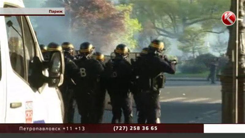В Париже выступления против трудового кодекса вылились в столкновения с полицией