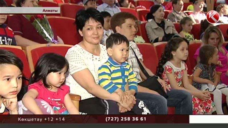 Зағипа Балиева құқығы шектелген балаларға жеке өзіне телефон соғуға кеңес берді