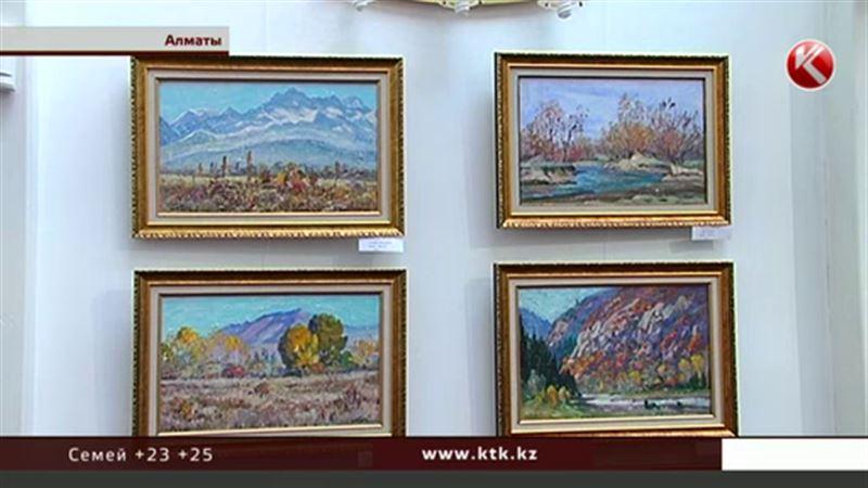 Картины, написанные углем, покорили алматинцев