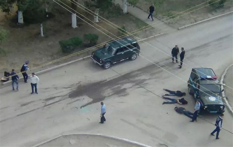 Назарбаев приказал уничтожать боевиков при сопротивлении