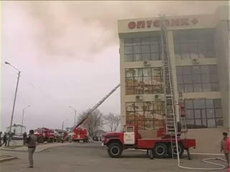 Крупный пожар в центре Шымкента