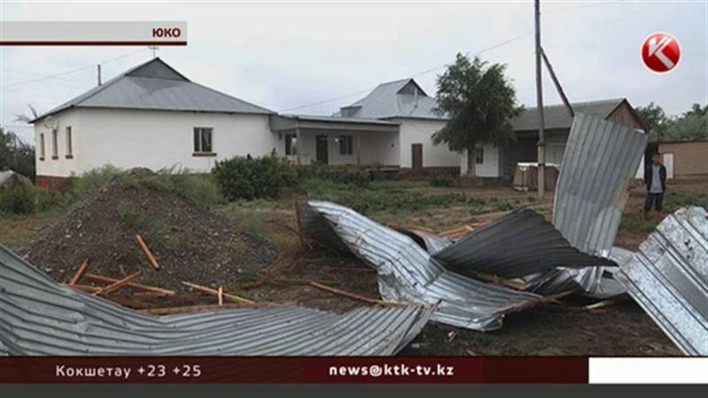Регион летающих крыш: на ЮКО обрушился небывалый ураган