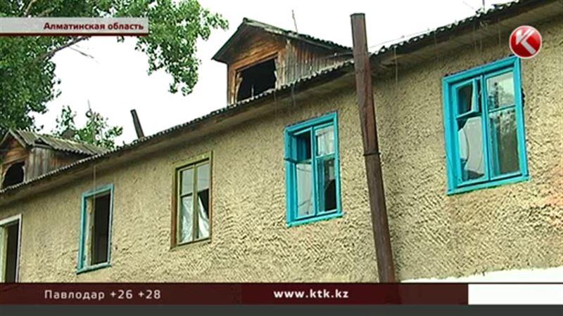 Голубиный помёт стал причиной обрушения крыши дома в Узынагаше