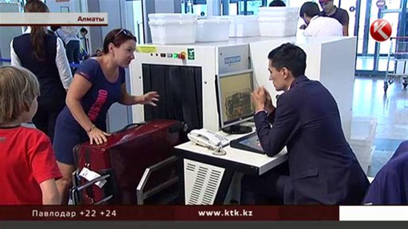 В казахстанских аэропортах после теракта в Турции досматривают и обнюхивают всех