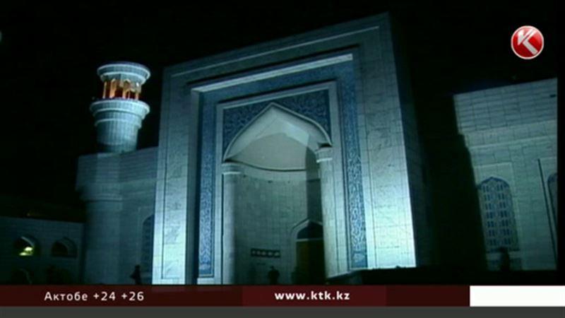 Ночь Предопределения: мусульмане всего мира будут усердно молиться