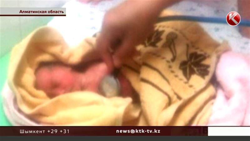 Врачи не смогли спасти младенца, которого бросили в недостроенном доме