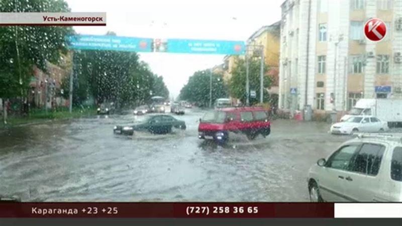 Жителей Усть-Каменогорска взбодрил град