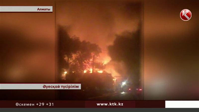 Алматы тұрғындары өрт шыққан кафеден қалай қашқандарын айтты