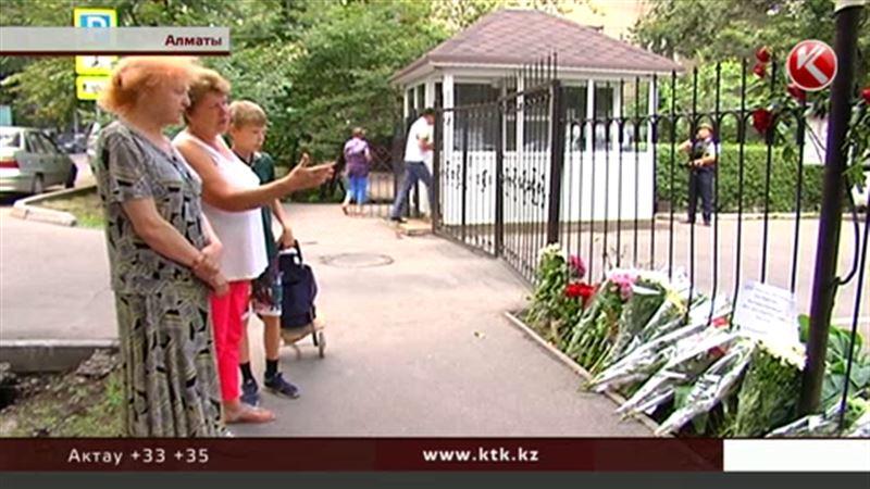 Алматинцы почтили память погибших в теракте