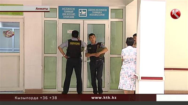 В больницах Алматы остаются шестеро полицейских – в тяжелом состоянии