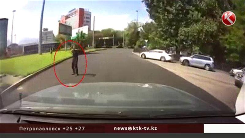 Алматинского стрелка обвиняют сразу по восьми статьям