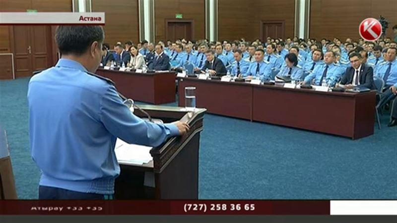 Казахстанские прокуроры массово займутся самообразованием и культурой речи