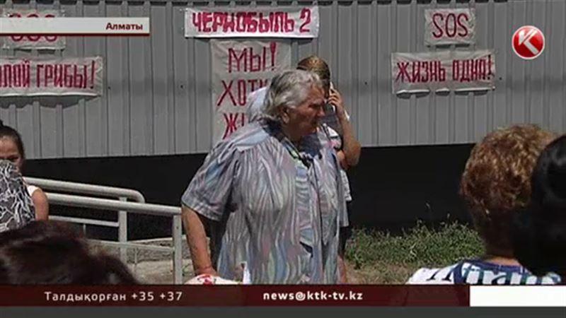Алматы тұрғындары жертөлеге саңырауқұлақ өсірген кәсіпкермен дауласып жүр