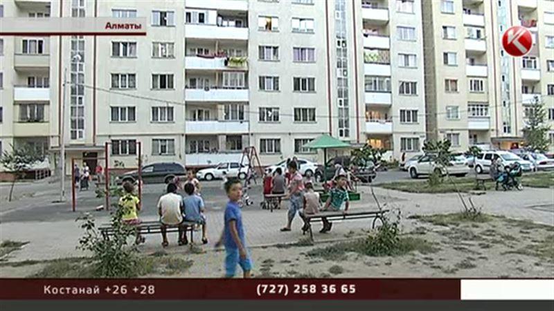 Королевство кривых домов: жители еще одной многоэтажки в Алматы заявляют о крене