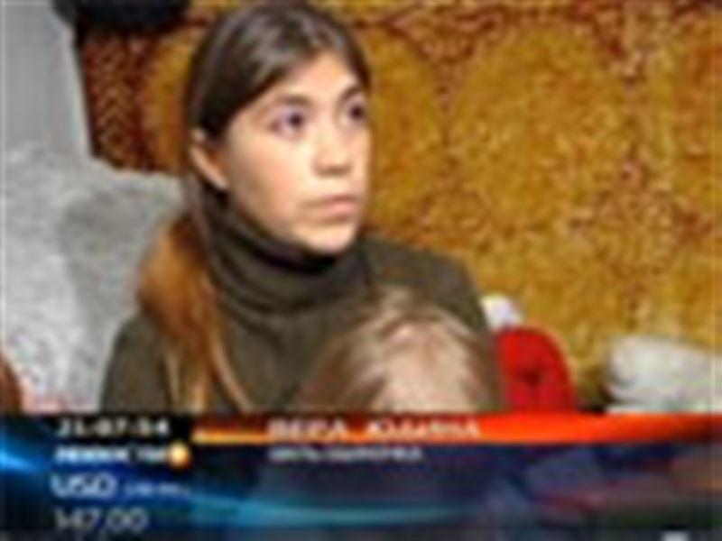 В Усть-Каменогорске мать-одиночка и трое ее малолетних детей вынуждены жить в сарае