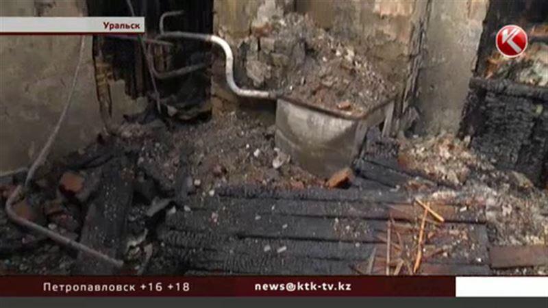 После пожарища уральские семьи обустраиваются в сараях