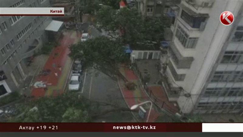Супертайфун обрушился на Китай
