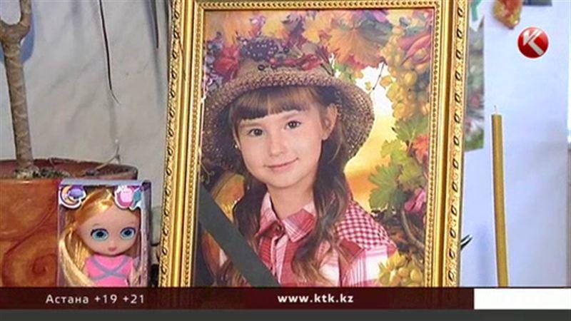Алматы ауруханасында қайтыс болған бүлдіршіннің анасы бұған дәрігерлерді кінәлауда