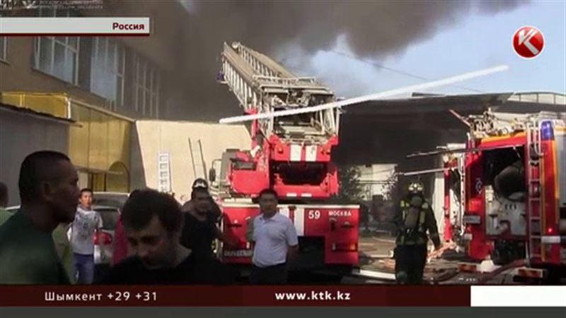 Под завалами сгоревшего склада обнаружили тела восьми московских спасателей