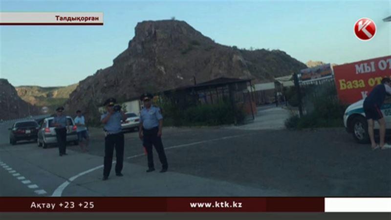 Талдықорғанда полицейлер интернетке салынған видео үшін жергілікті тұрғынды сотқа берді