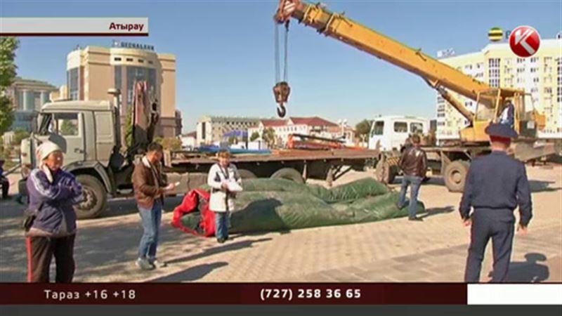 Чиновники-эстеты решили убрать качели из центра Атырау