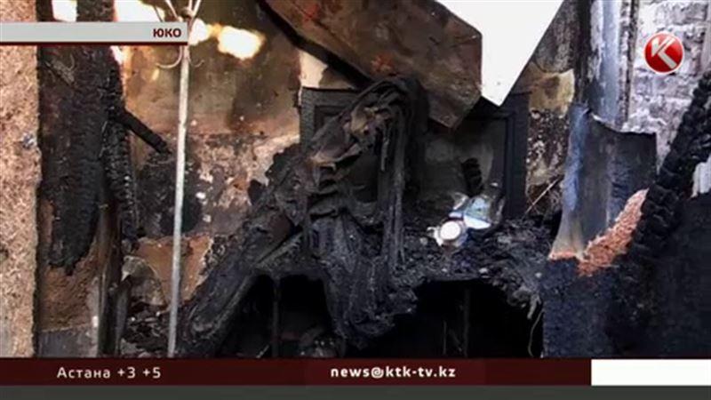 В ЮКО семья с 6 детьми едва спаслась от огня