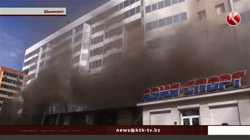 Жители горевшей шымкентской многоэтажки сами установили причину пожара