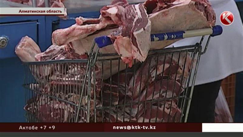 Говядина в Казахстане рискует стать деликатесом из-за перекупщиков и отсутствия господдержки