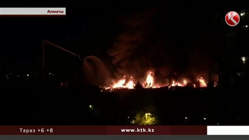 Гостиница «Жетысу» могла загореться из-за короткого замыкания в проводке