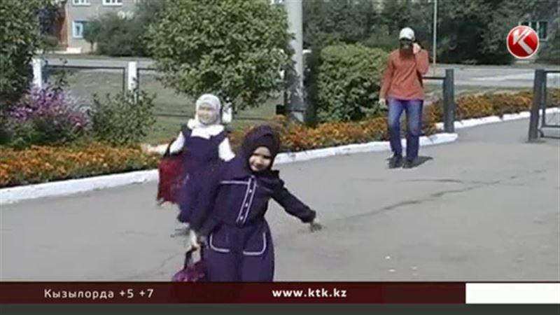 Министерство образования не намерено отменять запрет на хиджаб