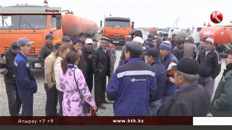 В Атырау обиделись водители машин-ассенизаторов: им запрещают сливать отходы в городе