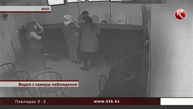 Шымкентские девушки ограбили букмекерскую контору