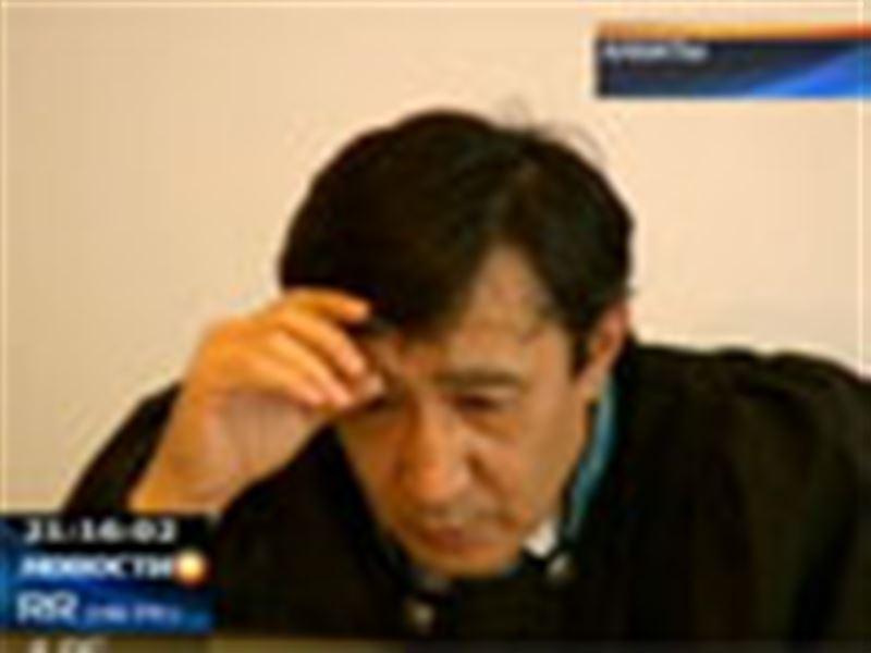 Громкий судебный процесс по делу о гибели солдата-срочника начался сегодня в Алматы со скандала