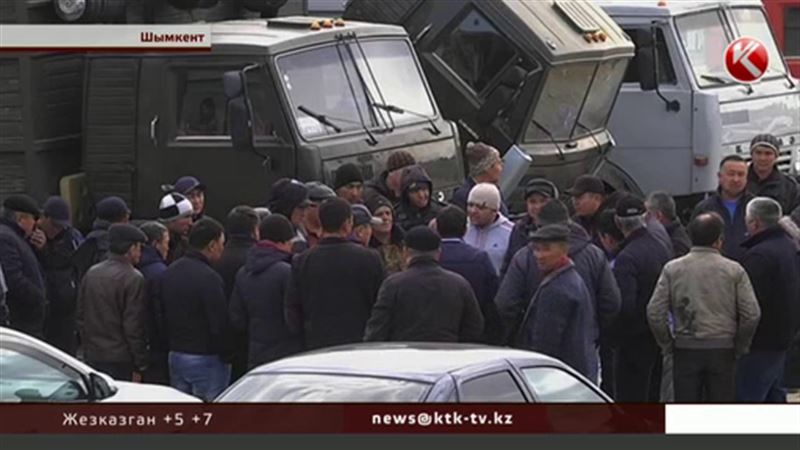 Дальнобойщики Южного Казахстана требуют лишать их машин