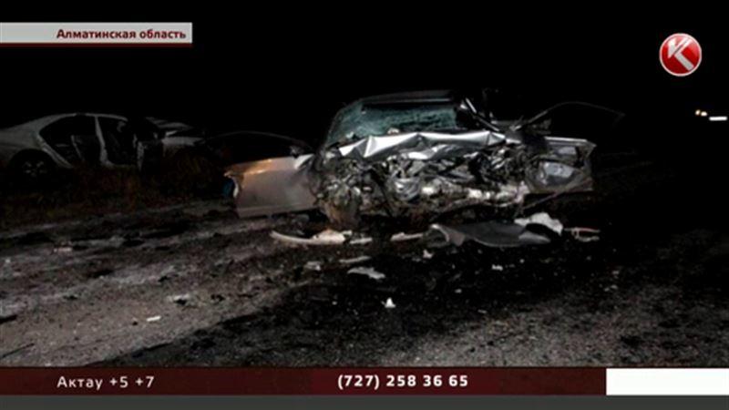 Пять человек погибли в крупной аварии на трассе Алматы – Усть-Каменогорск
