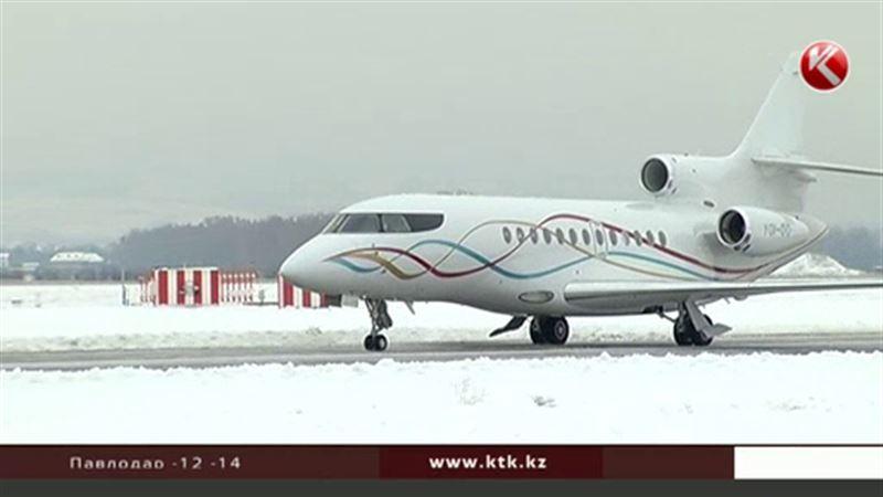 Почти полсотни авиарейсов пришлось отменять из-за ситуации с погодой