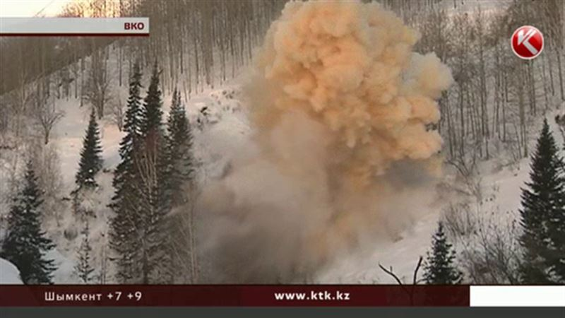 Чтобы лавины не угрожали людям, в ВКО  взорвали снег