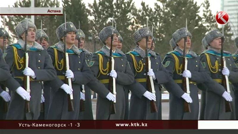 Над Астаной взвился штандарт президента Республики Казахстан
