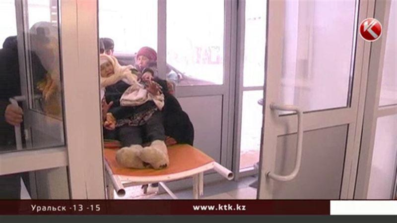 В уральские больницы везут людей с обморожениями